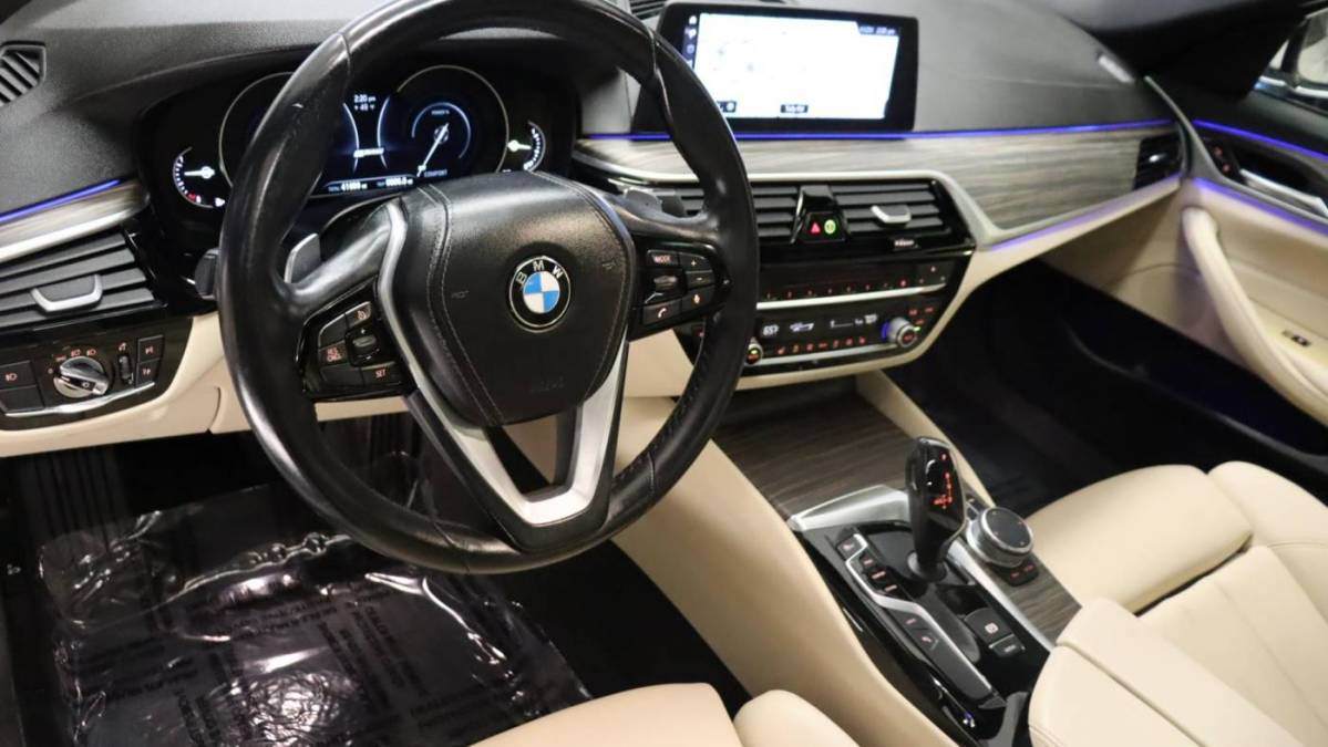 2018 BMW 5 Series WBAJA9C50JB033242