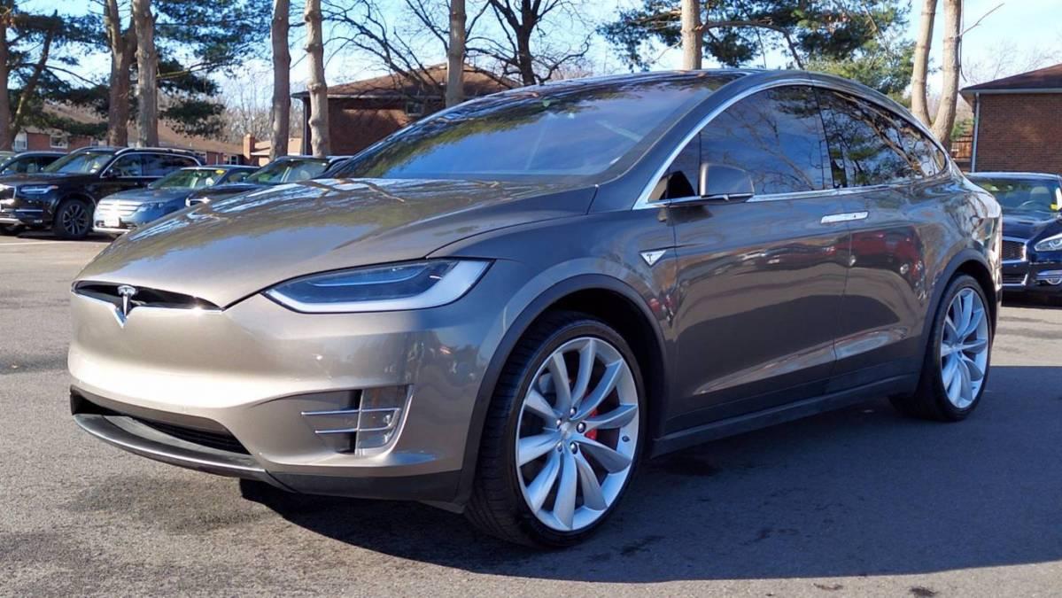 2016 Tesla Model X 5YJXCBE47GF015331