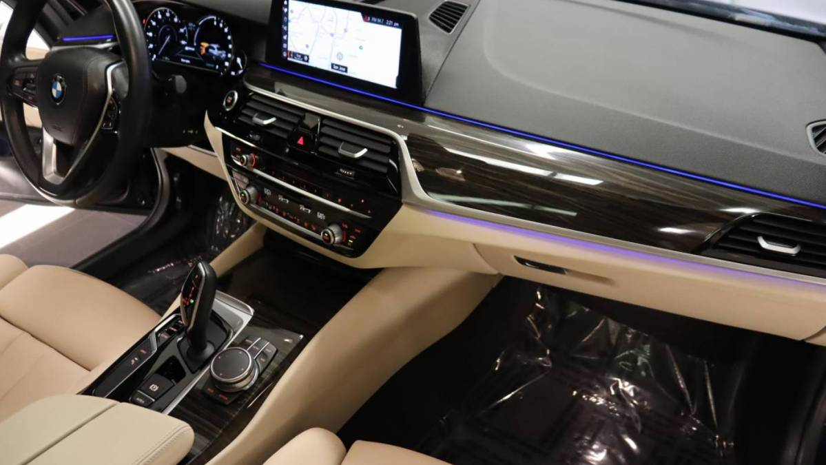 2018 BMW 5 Series WBAJA9C51JB033363