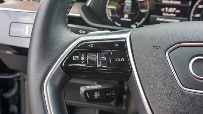 2019 Audi e-tron WA1LAAGE7KB023584