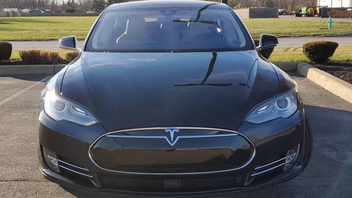2014 Tesla Model S 5YJSA1H24EFP64492