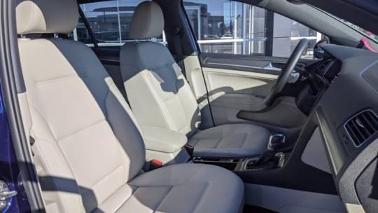 2019 Volkswagen e-Golf WVWPR7AU5KW910600