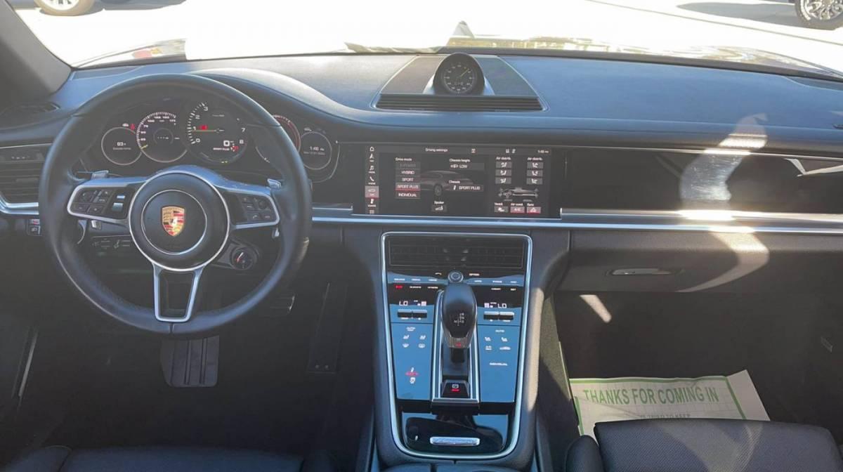 2019 Porsche Panamera WP0AE2A73KL123547