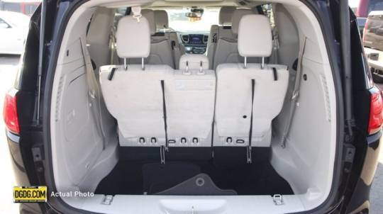 2018 Chrysler Pacifica Hybrid 2C4RC1N76JR230482