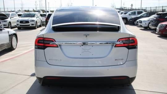 2017 Tesla Model X 5YJXCDE45HF038233
