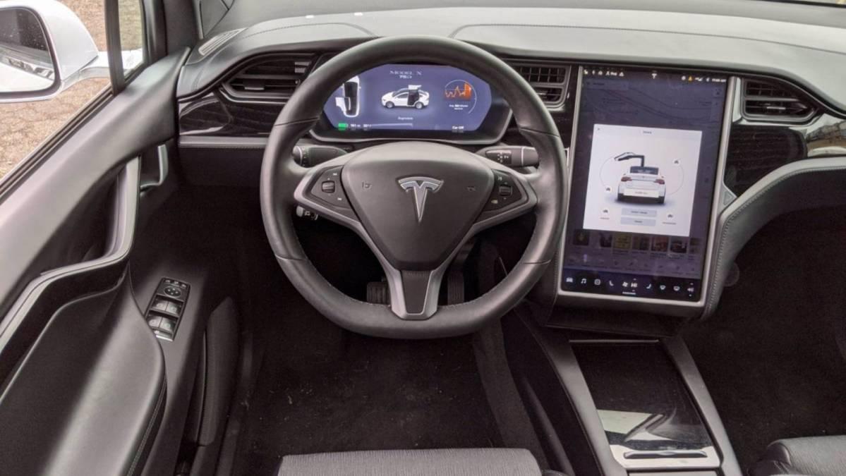 2018 Tesla Model X 5YJXCAE25JF119946