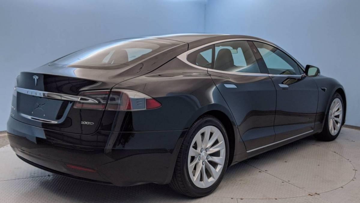 2017 Tesla Model S 5YJSA1E26HF200982