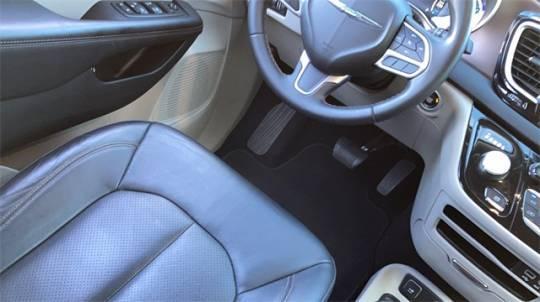 2018 Chrysler Pacifica Hybrid 2C4RC1L78JR183622