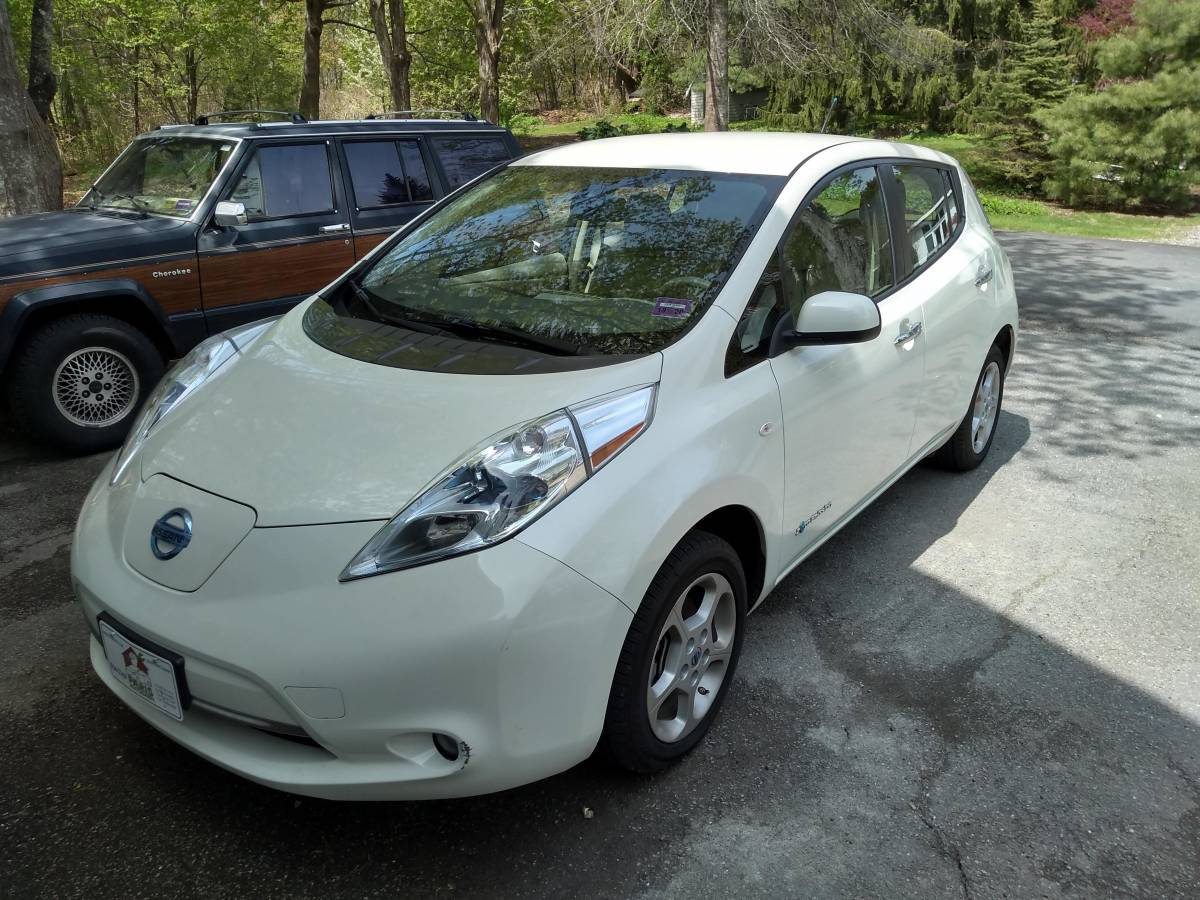 2012 Nissan LEAF JN1AZ0CP2CT021280