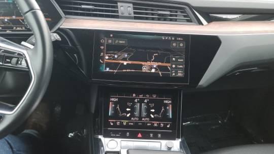2019 Audi e-tron WA1LAAGE5KB005407