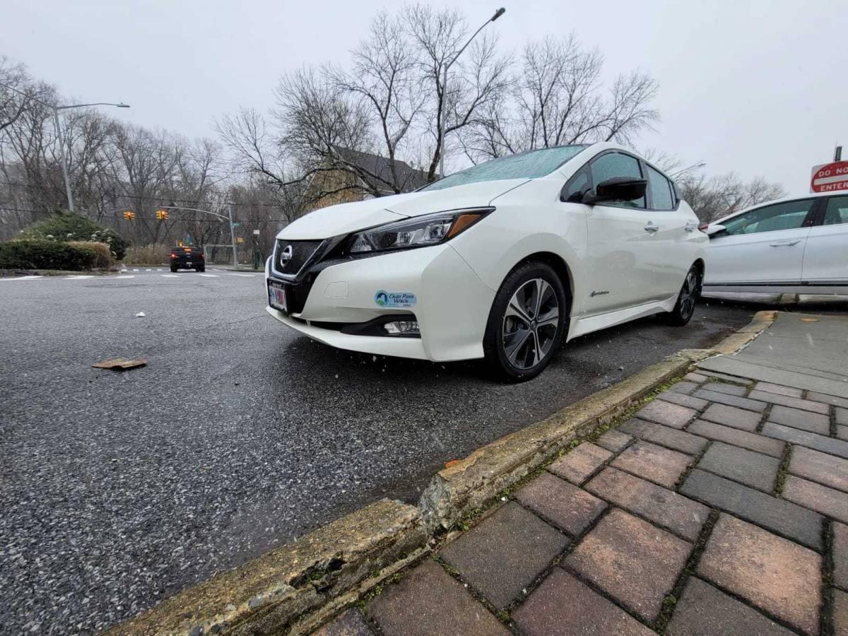 2018 Nissan LEAF 1N4AZ1CP5JC316394