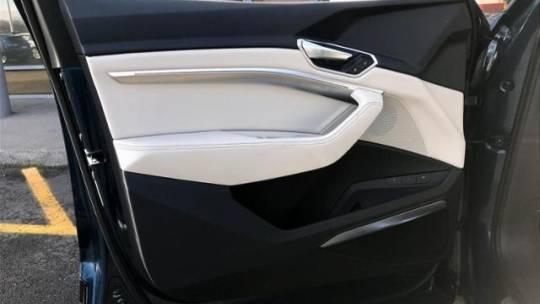 2019 Audi e-tron WA1LABGE4KB014234
