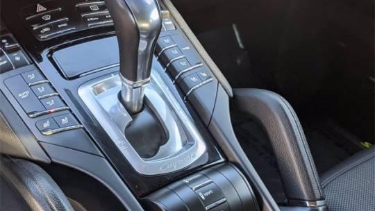 2017 Porsche Cayenne WP1AE2A20HLA70785