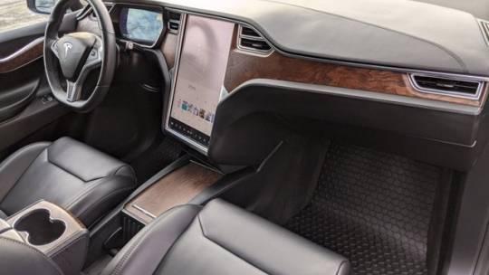 2017 Tesla Model X 5YJXCDE2XHF066480