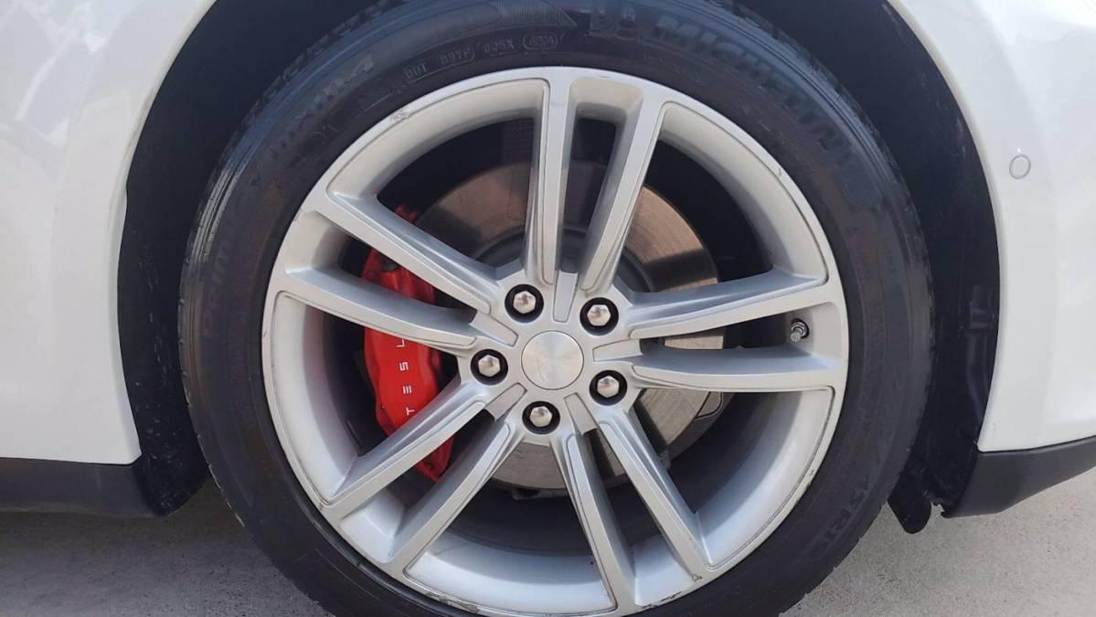 2014 Tesla Model S 5YJSA1H11EFP60522
