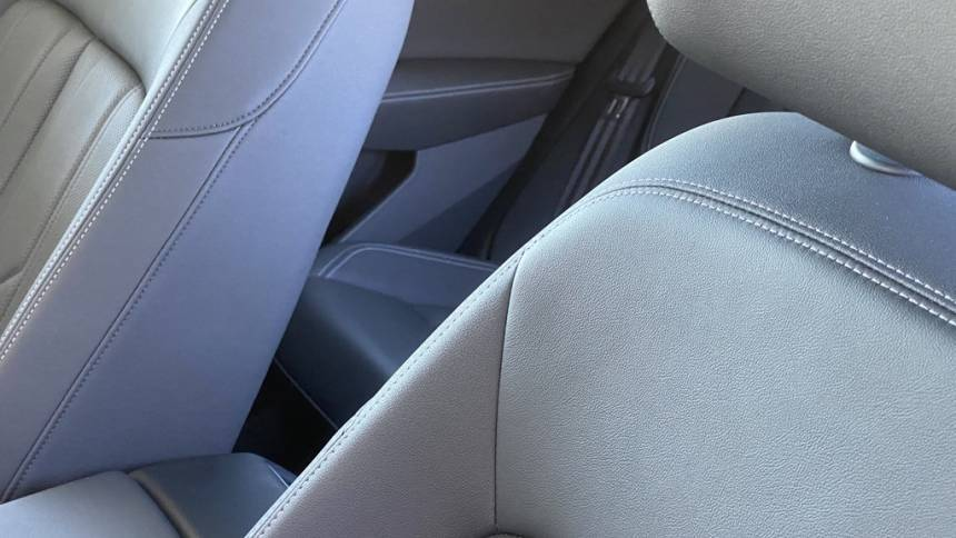 2019 Audi e-tron WA1LAAGE4KB021002