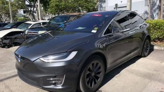 2017 Tesla Model X 5YJXCDE29HF065708
