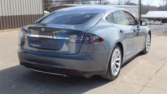 2013 Tesla Model S 5YJSA1CN6DFP05525