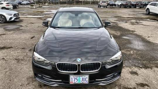 2017 BMW 3 Series WBA8E1C35HA156540