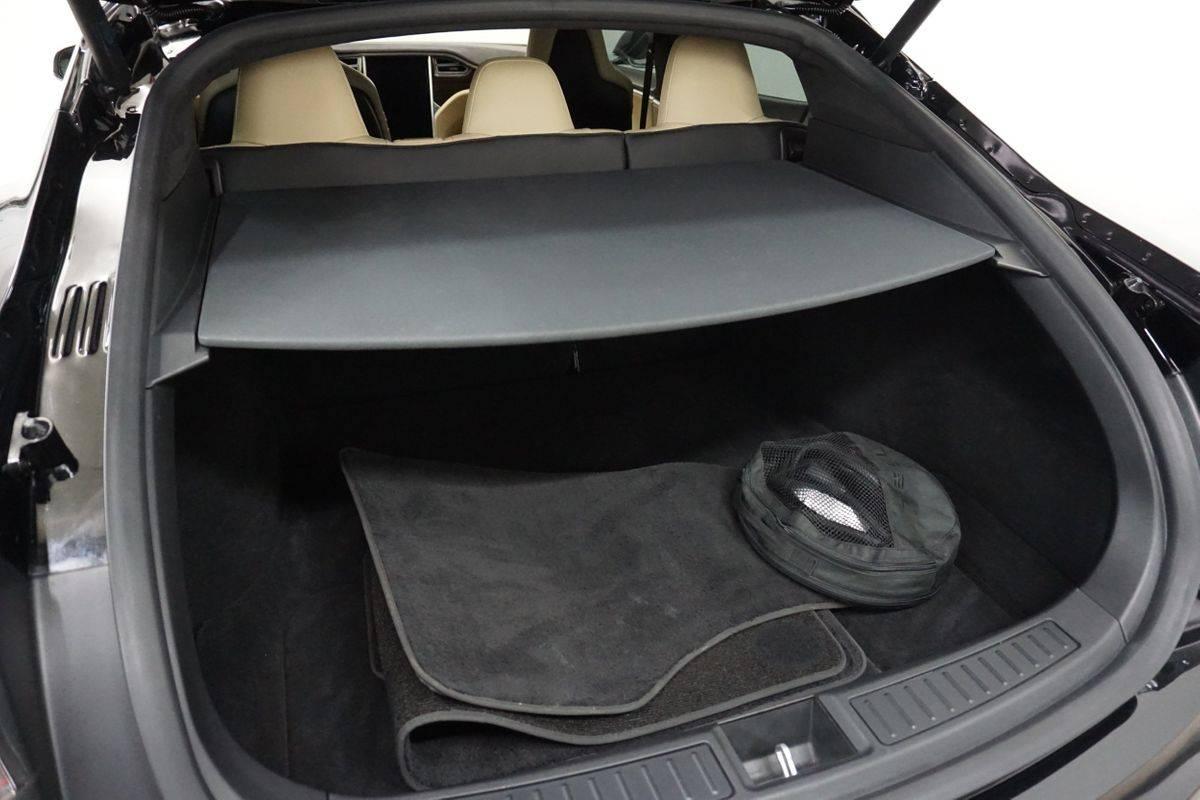 2015 Tesla Model S 5YJSA1E23FF117412