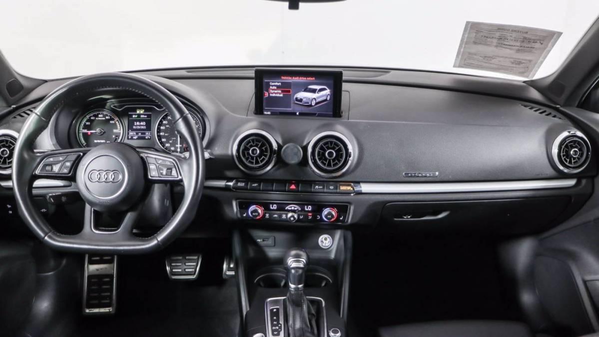 2018 Audi A3 Sportback e-tron WAUUPBFF6JA065397