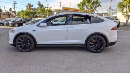 2017 Tesla Model X 5YJXCDE23HF055577