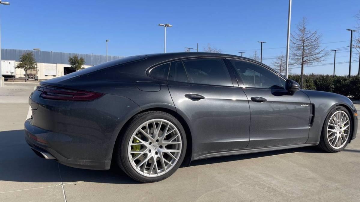 2018 Porsche Panamera WP0AE2A70JL127795