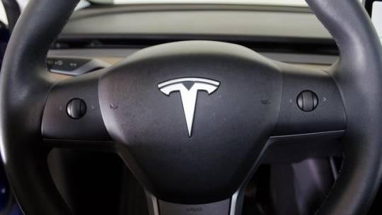 2018 Tesla Model 3 5YJ3E1EB6JF090174