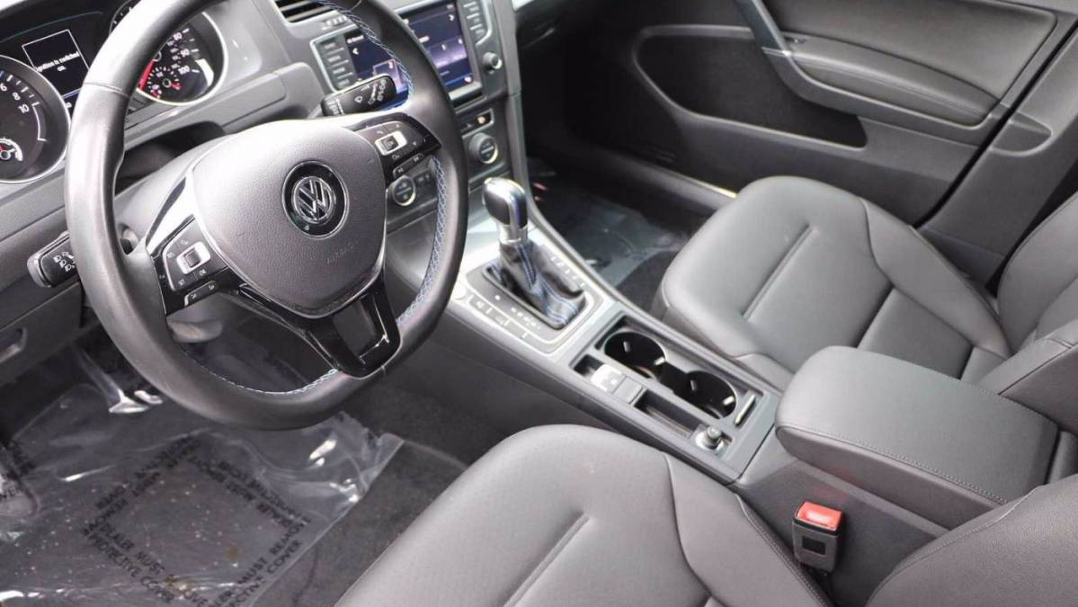 2016 Volkswagen e-Golf WVWPP7AU1GW914009