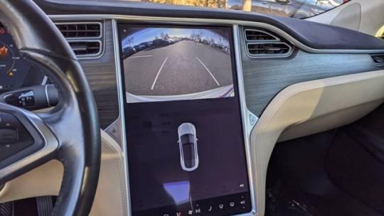 2016 Tesla Model S 5YJSA1E28GF136023