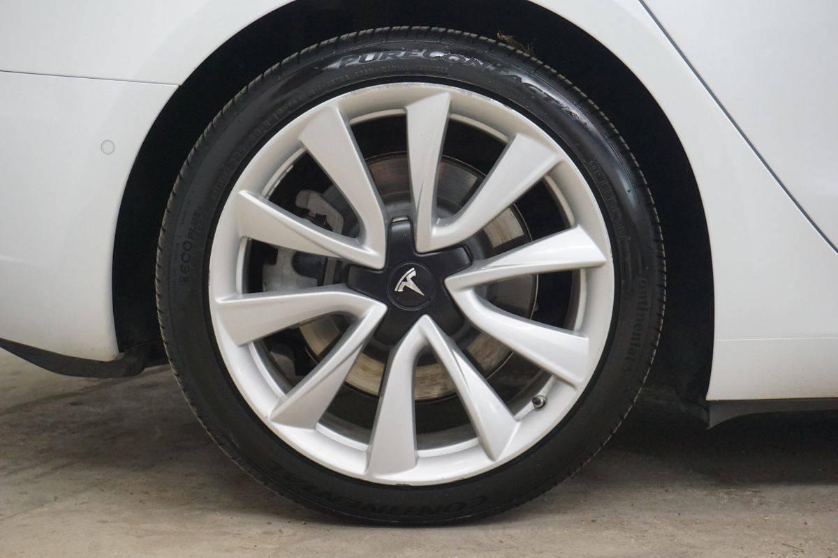 2019 Tesla Model 3 5YJ3E1EB7KF192021
