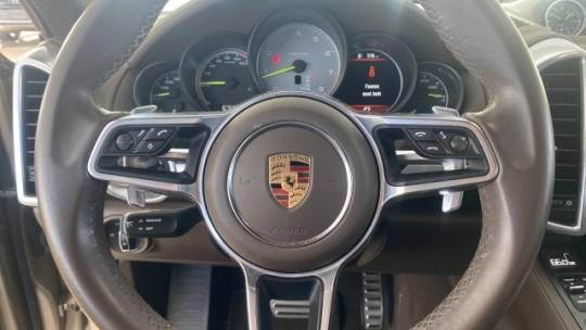 2016 Porsche Cayenne WP1AE2A20GLA64290