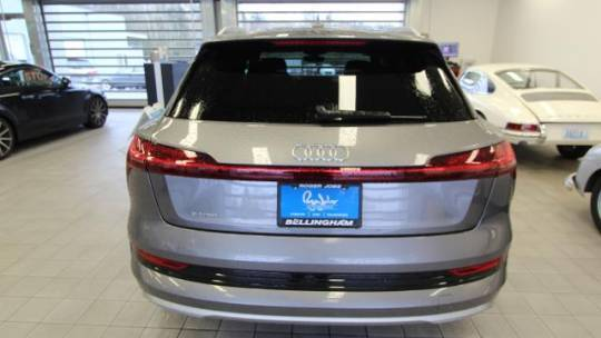 2019 Audi e-tron WA1LAAGE1KB014279