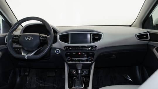 2018 Hyundai IONIQ KMHC75LD8JU097877