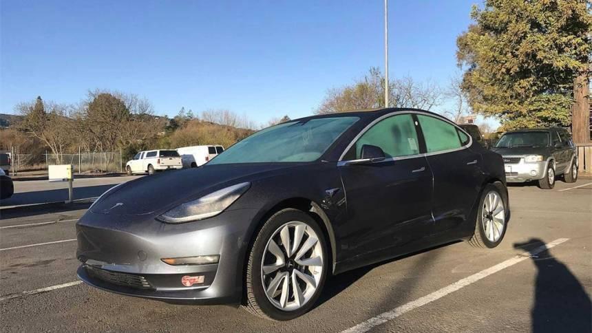 2018 Tesla Model 3 5YJ3E1EA3JF023989