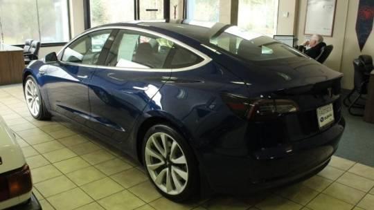 2019 Tesla Model 3 5YJ3E1EB3KF389882