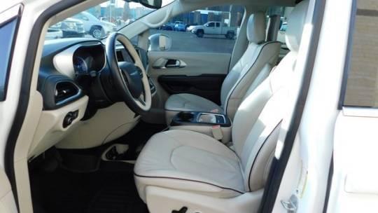 2018 Chrysler Pacifica Hybrid 2C4RC1N71JR168361