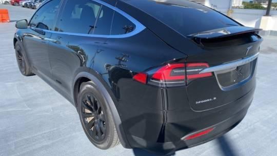 2018 Tesla Model X 5YJXCAE22JF113487