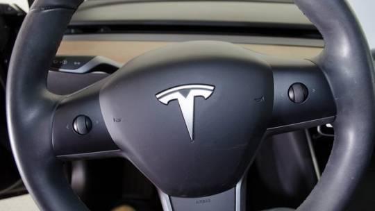 2018 Tesla Model 3 5YJ3E1EA9JF059105
