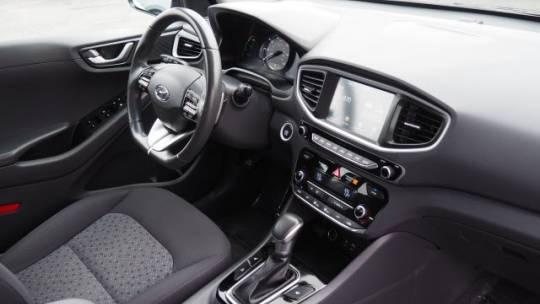 2018 Hyundai IONIQ KMHC65LD6JU076075