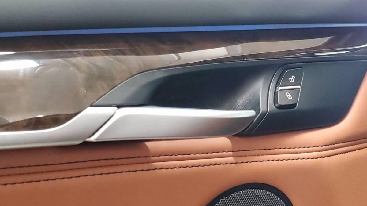 2018 BMW X5 xDrive40e 5UXKT0C55J0W01072