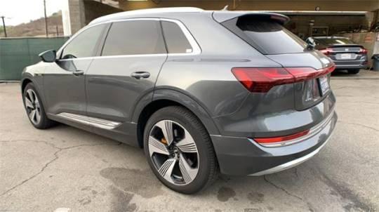 2019 Audi e-tron WA1VAAGE3KB008024