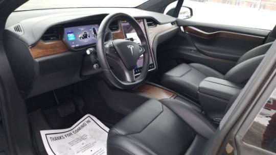2018 Tesla Model X 5YJXCAE21JF142897