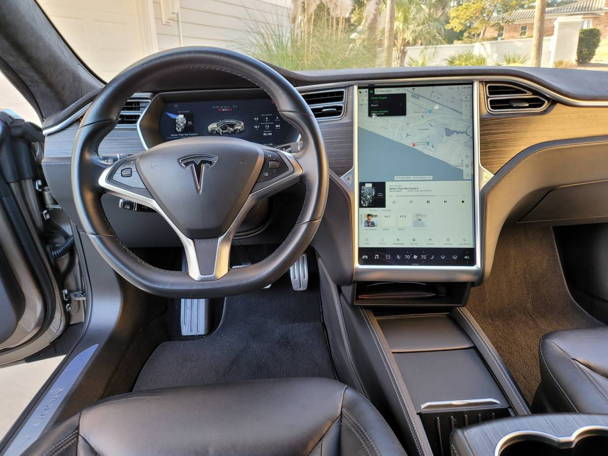 2015 Tesla Model S 5YJSA1H42FF095822