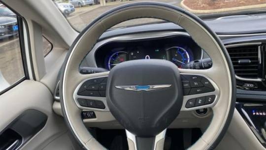 2018 Chrysler Pacifica Hybrid 2C4RC1N76JR152429