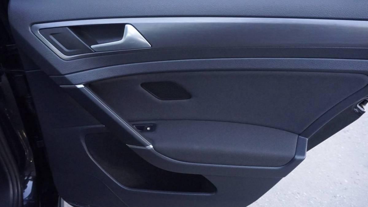 2017 Volkswagen e-Golf WVWKR7AU8HW953931