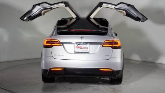 2017 Tesla Model X 5YJXCDE28HF059155