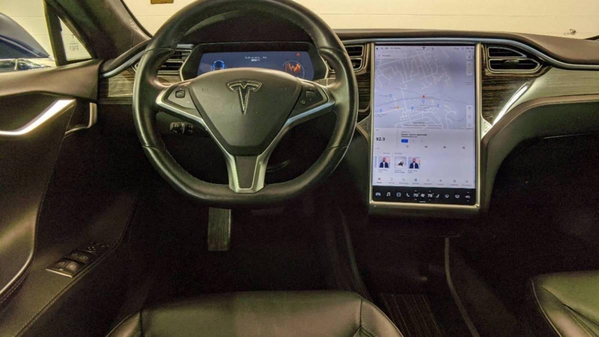 2016 Tesla Model S 5YJSA1E26GF128583