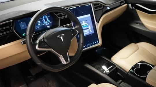 2016 Tesla Model X 5YJXCAE25GF017474