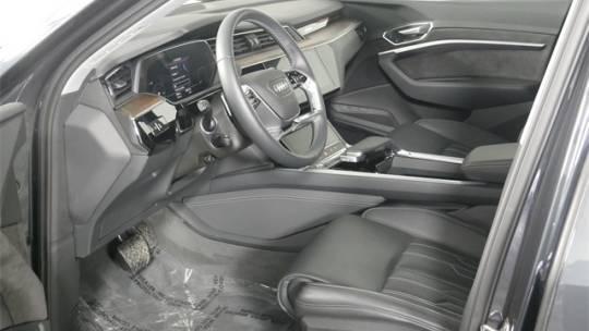 2019 Audi e-tron WA1VABGE6KB020979
